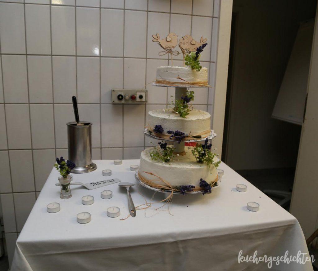 Lavendelhochzeit Hochzeitstorte | kuchengeschichten