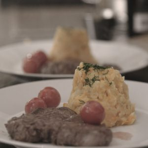 Filet und Kartoffel-Karotten-Püree