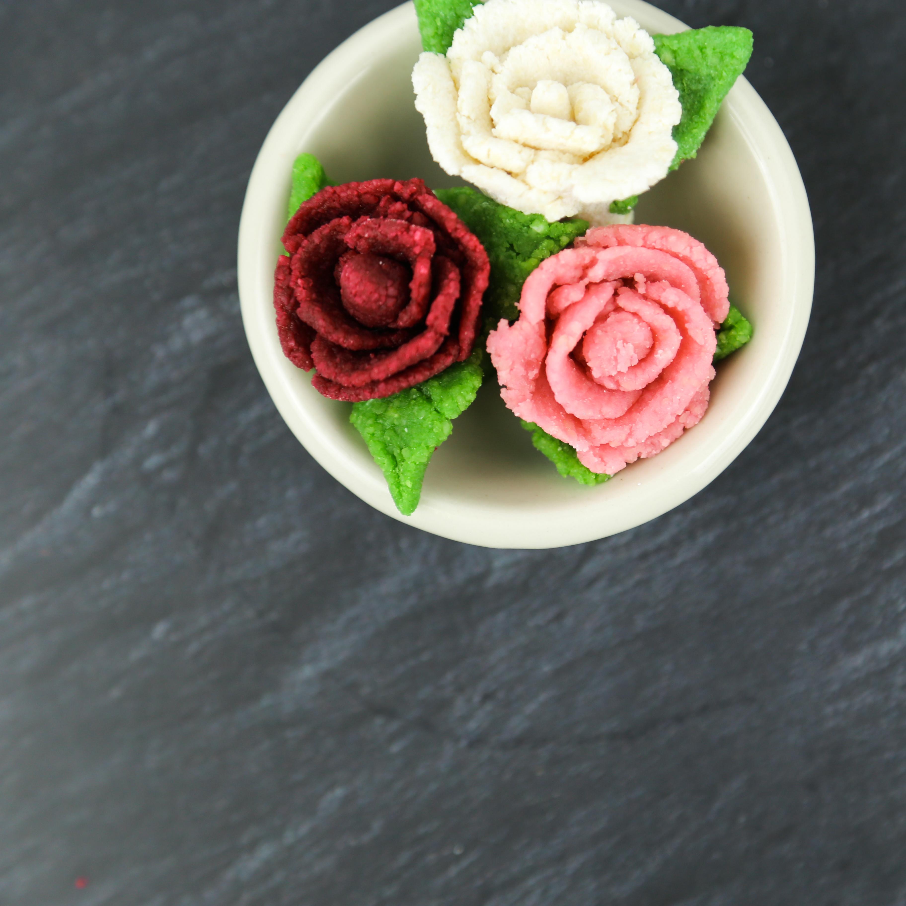 Marzipan Rose Schnuller selbermachen