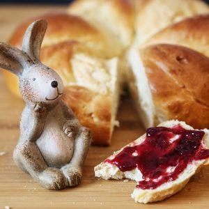 Oster-Hefezopf   kuchengeschichten