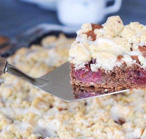 Kirschkuchen mit Walnussstreuseln | kuchengeschichten