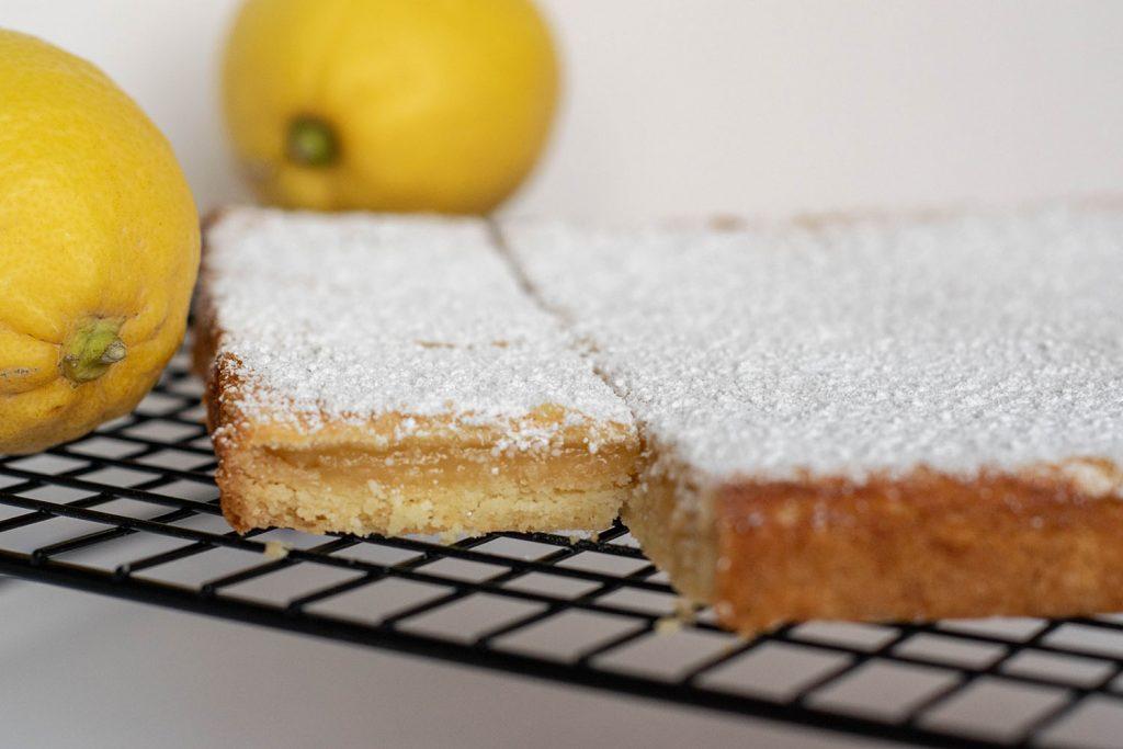 Lemon Bars - Zitronenschnitten | kuchengeschichten