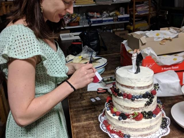 Naked Cake - Hochzeitstorte | kuchengeschichten