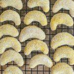 Vanillekipferl mit Kurkuma und Tonka | kuchengeschichten