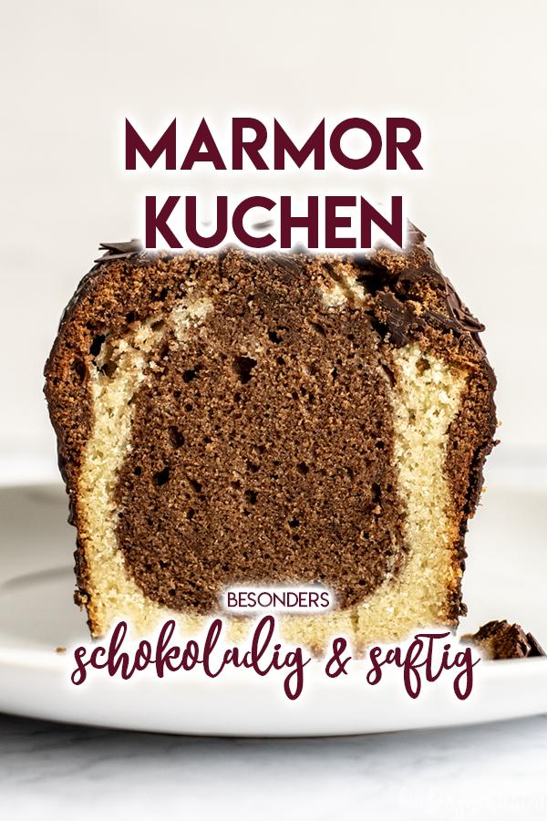 Obersaftiger Marmorkuchen mit Schlagsahne und Schokolade. DER Klassiker, nur besser :) | kuchengeschichten