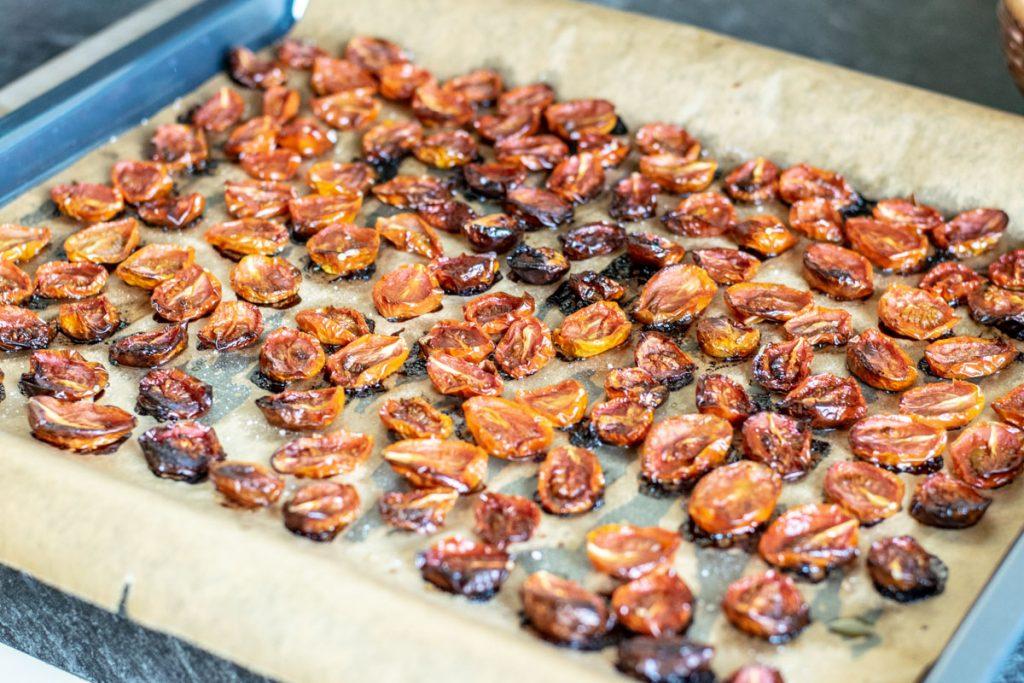 Nudelsalat zum Grillen mit halbtrockenen Tomaten | kuchengeschichten