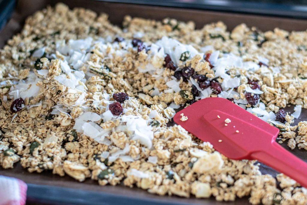 Körniges Frühstücksmüsli | kuchengeschichten