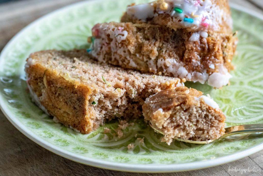 Zucchinikuchen mit Zimt | kuchengeschichten