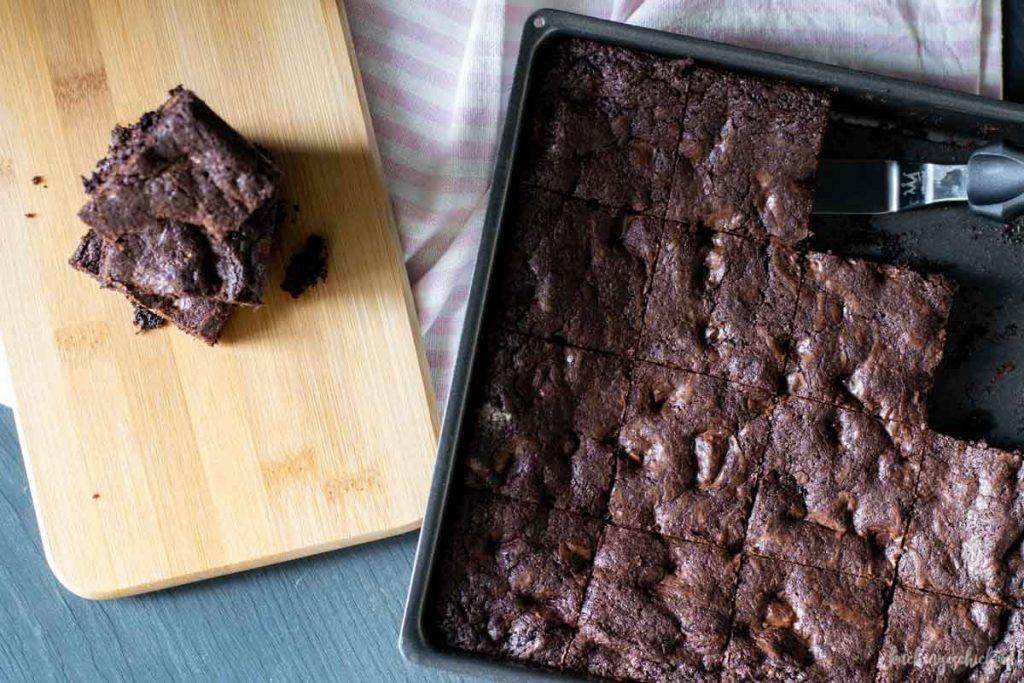 Superschnelle, saftige und schokoladige Brownies | kuchengeschichten