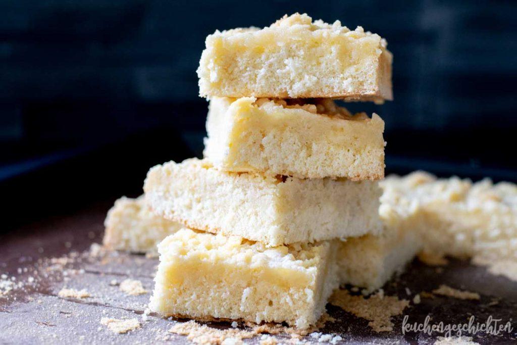 Streuselkuchen mit Sahne | kuchengeschichten