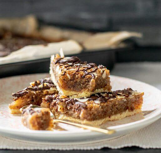 Marzipan-Nussecken | kuchengeschichten