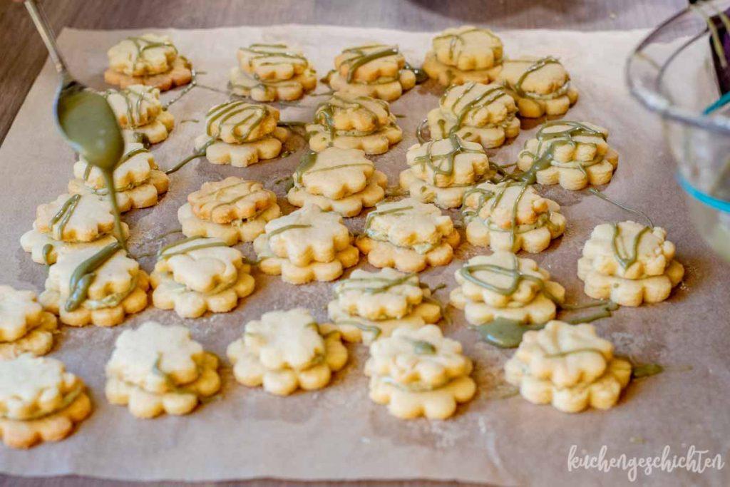 Matcha-Doppeldecker-Plätzchen   kuchengeschichten