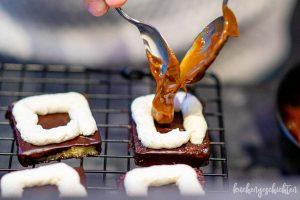 Gefuellte Lamingtons mit Dulce de Leche | kuchengeschichten