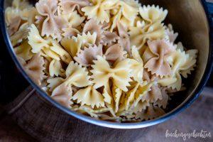 Nudelsalat mit Rucola und Tomatensosse - Nudeln | kuchengeschichten