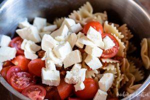 Nudelsalat mit Rucola und Tomatensosse - Tomaten und Mozzarella | kuchengeschichten