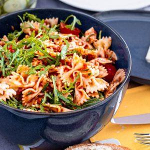 Nudelsalat mit Rucola und Tomatensosse | kuchengeschichten